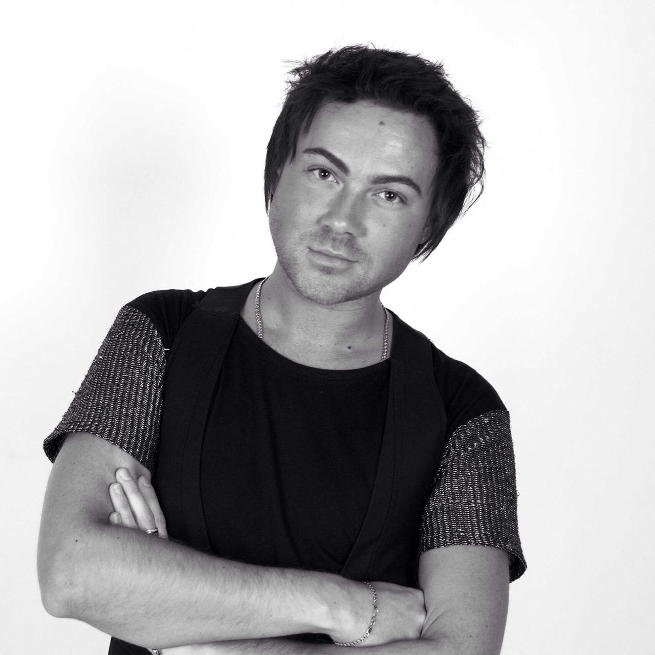 Александр Букин : Парикмахер-модельер
